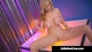 Hawt stripper mommy breasty milf julia ann finger bonks after stripping