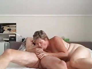 Wife likes oral job sex