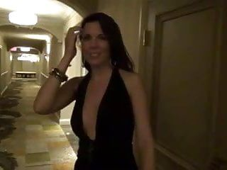 Milf stripped on the hotel corridor