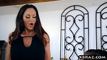 Giant zeppelins mommy ava addams protects her worthy family