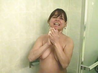 Just a freaky and unattractive non-professional milfie wench in the shower