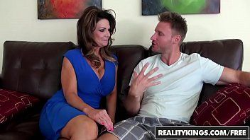 Realitykings - milf hunter - deauxma levi money - vacation cooch