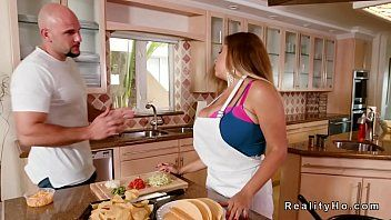 Giant love bubbles milf lalin girl bangs in kitchen