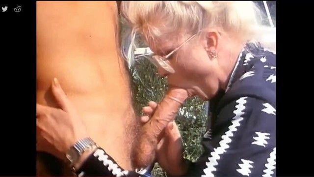 Granny oral cum gulp two - mayor de pelo dorado tragando semen sexo oral vintage oral-estimulación milf chupa