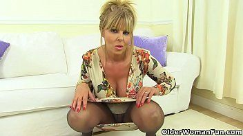 English milf gabby will make u drool over her enchanting fanny